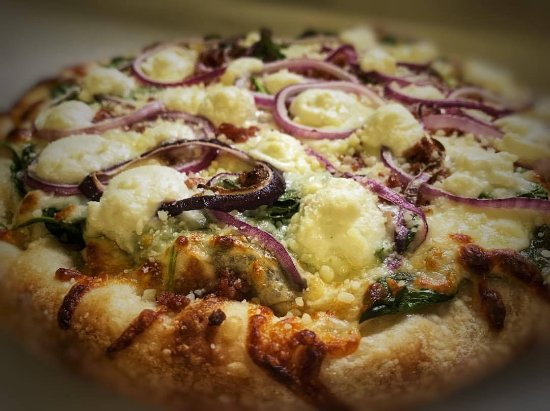 Mount Pleasant, PA: Spinach Pizza: Spinach, Onions, Bacon, Mozzarella Provolone Cheese Blend, and Ricotta Cheese