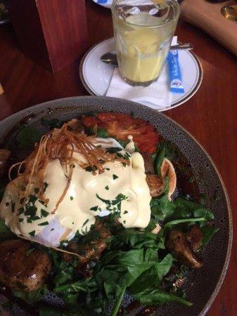 Cafe Boranup: Eggs Florrie & Tumeric Latte