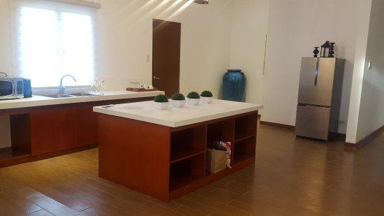 Thunderbird Resorts & Casinos - Poro Point: The spacious kitchen