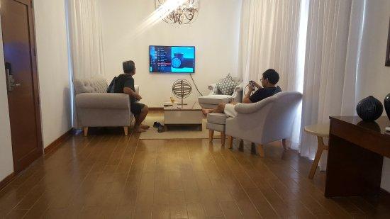 Thunderbird Resorts & Casinos - Poro Point: The villa's living room