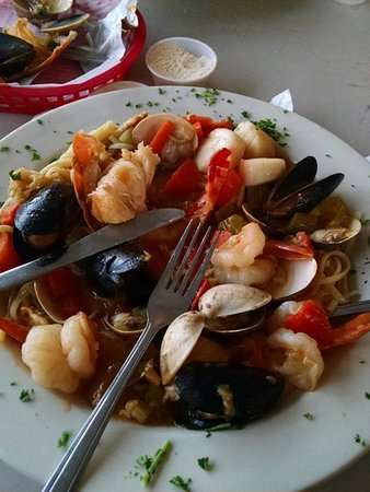 Stan's Idle Hour Restaurant: Tony's Seafood Pasta