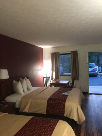 Edgewood, MD : Room 128