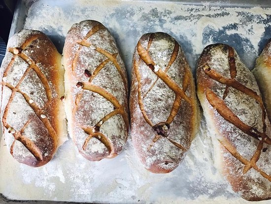 Piccolo Italian Bistro: Give us this day our freshly made bread!