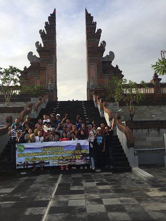 Your Bali Trip Driver: Handle Group tour from Borneo Island