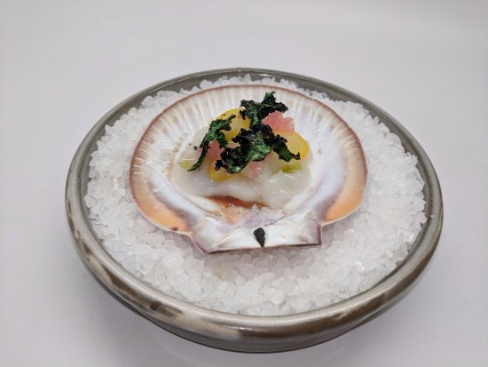 Wilyabrup, Australia: Scallop with finger lime