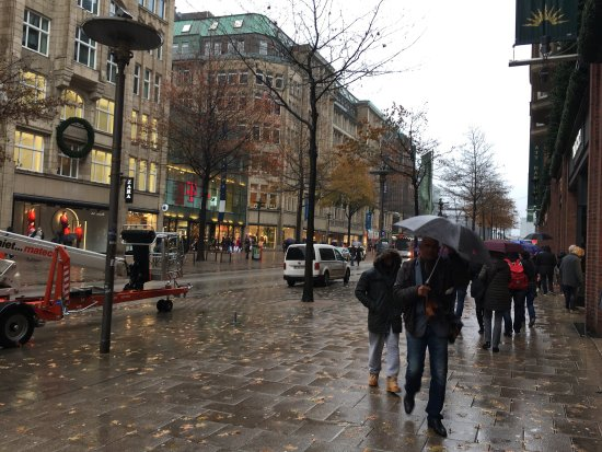 Moenckebergstrasse Shopping: photo1.jpg