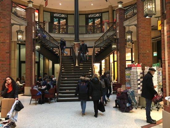 Moenckebergstrasse Shopping: photo2.jpg