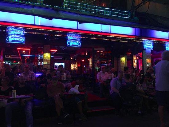 Balcony bangkok silom restaurant reviews phone for Restaurants with balcony