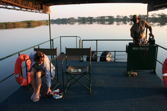 ‪‪Imbabala Zambezi Safari Lodge‬: an early morning boat cruise on the Zambezi with Stan our expert guide. ing‬
