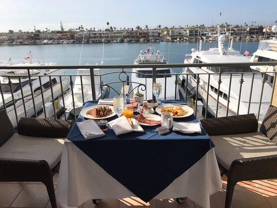 Balboa Bay Resort: Breakfast on our balcony