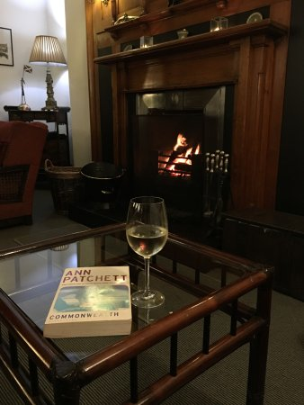 The Lovat, Loch Ness: Relaxing after dinner