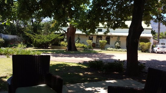 Paarl, South Africa: The old farmhouse at Mellasat Vineyard