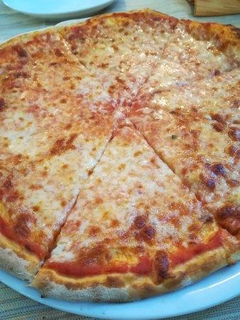 Officina Del Tram: pizza