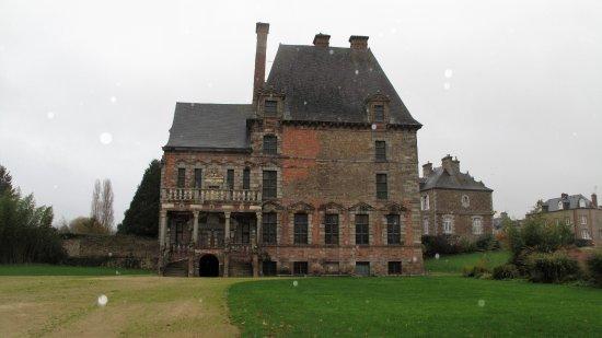 Ducey, Francia: et smukt lille slot