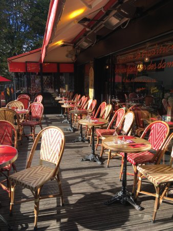 terrasse couverte et chauff e l 39 hiver picture of la terrasse des metiers paris tripadvisor. Black Bedroom Furniture Sets. Home Design Ideas