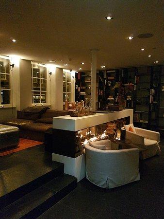 Sir Albert Hotel: 20171118_182644_large.jpg