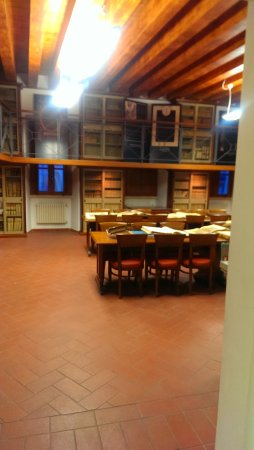 Biblioteca Comunale Paroniana