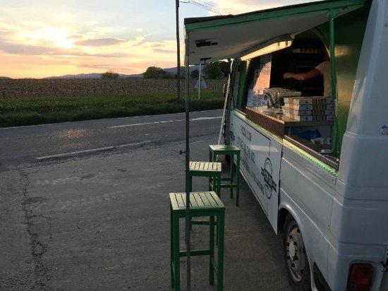Vaucluse, France: Pizza Lub' , camion pizza à Sannes !