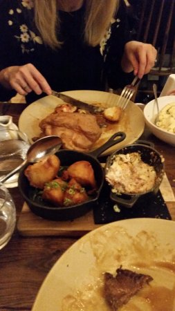 Cookham, UK: Sunday Roast