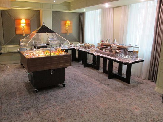 Grand Hotel Tien-Shan : The breakfast buffet