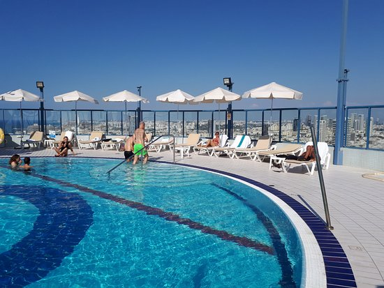 Luxury hotel 200 mtr from the promenade and fantastic beach