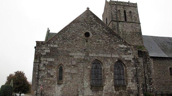 Saint-Quentin-sur-le-Homme, France: kirken udefra