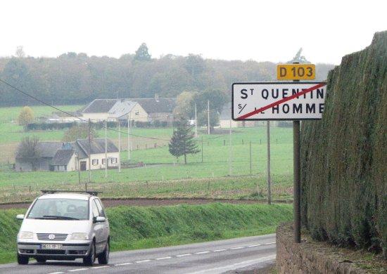 Saint-Quentin-sur-le-Homme, France: her finder man den skønne kirke