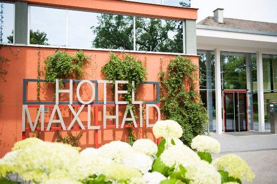 Hotel Maxlhaid: Hotel Eingangsbereich