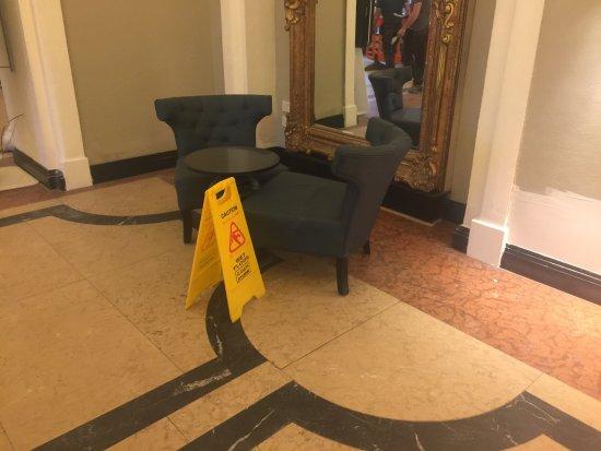Hotel Riu Plaza The Gresham Dublin: Une catastrophe !!!