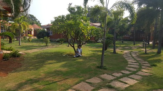 vijayshree resort : icing on the cake during our visit to hampi