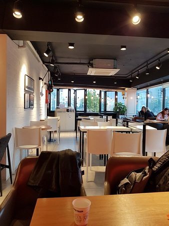 Nice cafe ambience picture of wicked snow dongdaemun for Ambiance cuisine nice