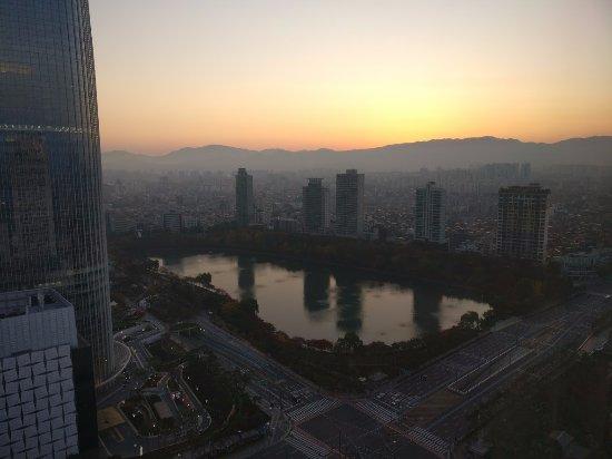 Lotte Hotel World: Sunrise