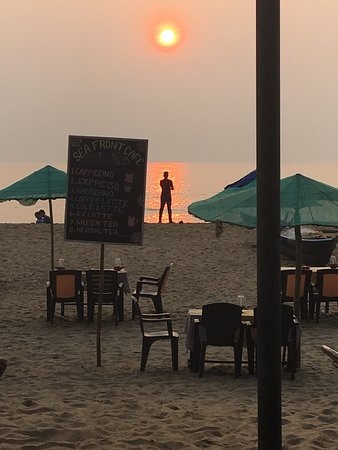 The bed bar/restaurant on Patnem Beach
