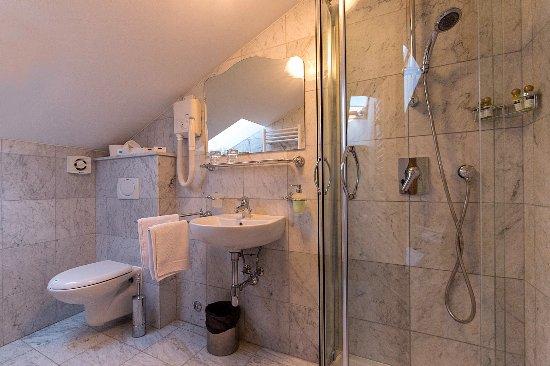 Villetta Phasiana: Bathroom in attic