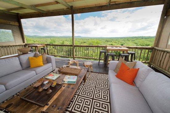 Hluhluwe, Sør-Afrika: Sky bar with views over the wilderness
