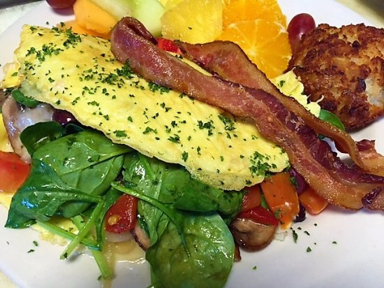 Rogues Harbor Inn and Restaurant: Omelettes to Order