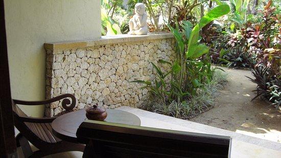 Novotel Bali Benoa : jardin privatif de la chambre
