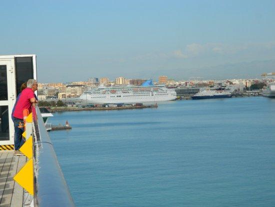 Puerto de Valencia: Arrivo in porto