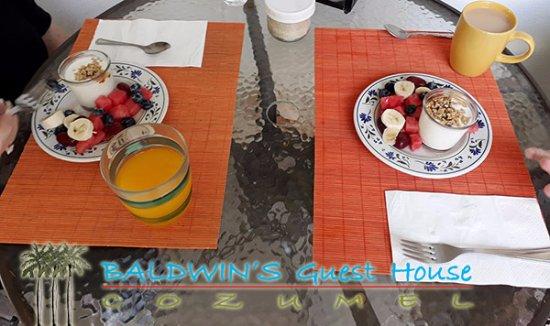 """Baldwin's Guest House Cozumel: Breakfast is Served"""""""