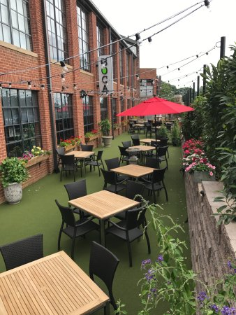 Hickory, NC: Our beautiful patio!!