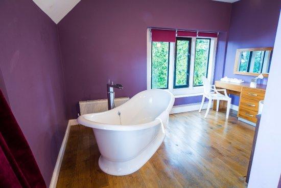 Grindleford, UK: Bridal Suite Rolltop Bath