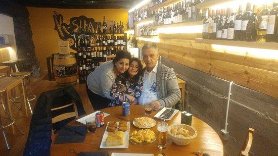Encamp, Andora: Tapas en familia