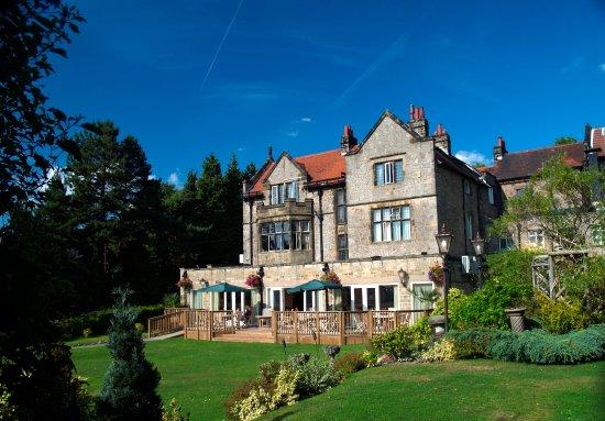 Grindleford, UK: The Maynard Hotel and Garden