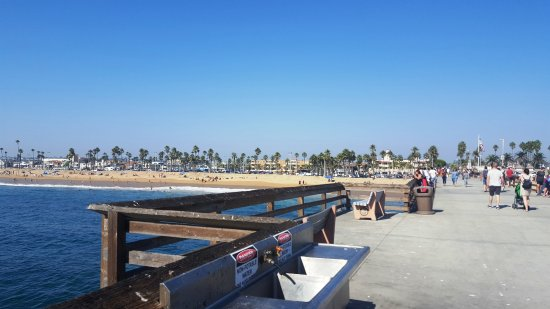 Palm Desert, كاليفورنيا: Newport Beach Pier