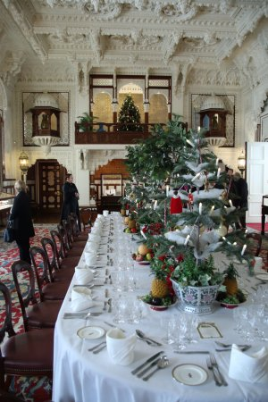 Hampshire, UK : Table set for Christmas Lunch