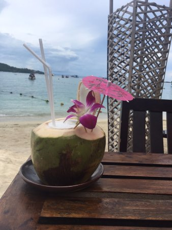 Mama Beach Residence: Drink at the hotel bar