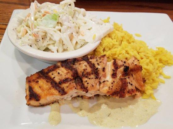 McGaheysville, เวอร์จิเนีย: Grilled salmon and cole slaw and boxed saffron rice