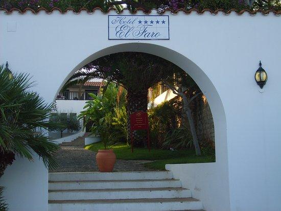 El Faro Hotel: Hotel El Faro Entrance