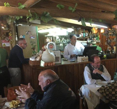 Rio Maior, Portugal: het restaurant met de bar