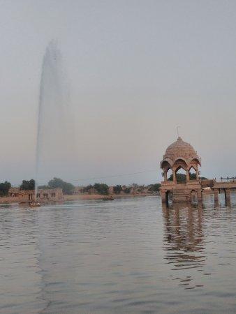 Gadsisar Sagar Lake: Lake view